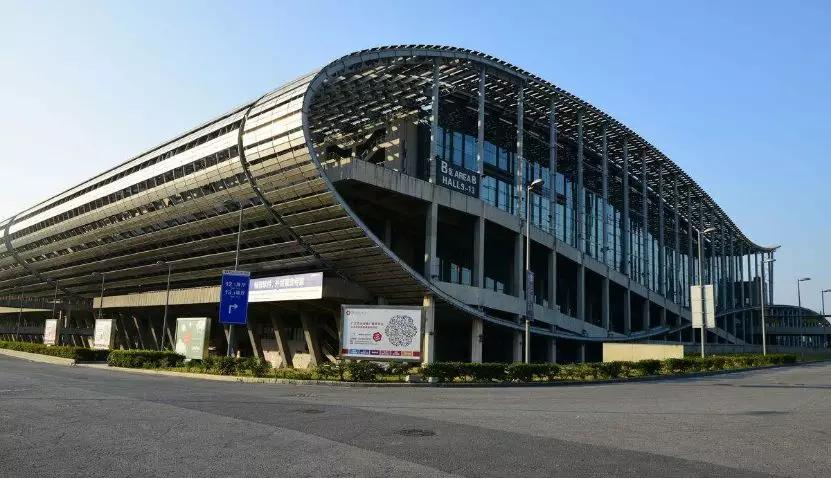 霸屏|VOC广告强势入驻广州白云机场,引爆近千万曝光!